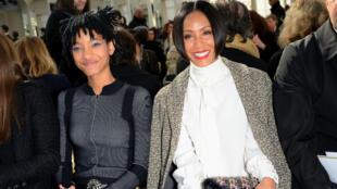 Willow Smith et sa mère Jada Pinkett-Smith au défilé Chanel à Paris, le 8 mars 2016