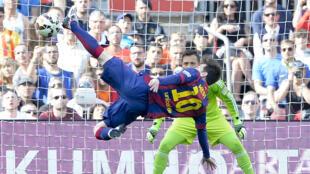 Lionel Messi dans ses oeuvres face au FC Valence, le 18 avril 2015