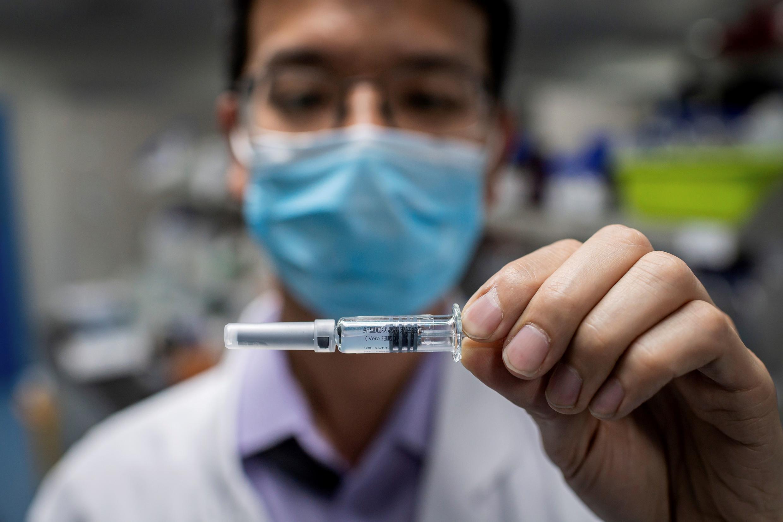 China ha sido muy optimista en cuanto al desarrollo de su vacuna para el virus, con varias empresas apoyadas por el Estado que trabajan en el tratamiento