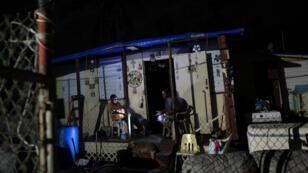 El paso el huracán María dejó a Puerto Rico sin servicio eléctrico.
