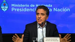 Le ministre argentin au Trésor, Nicolas Dujovne, en conférence de presse à Buenos Aires, le 8 mai 2018.
