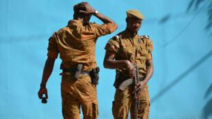 Des soldats de l'armée bukinabè.