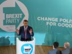 Royaume-Uni : l'europhobe Nigel Farage scelle un pacte avec Boris Johnson pour les législatives