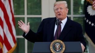 الرئيس الأمريكي دونالد ترامب خلال إلقائه خطابا في حديقة البيت الأبيض 20 تشرين الثاني/نوفمبر 2018