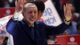 الرئيس التركي رجب طيب أردوغان في 16 نيسان/أبريل 2016