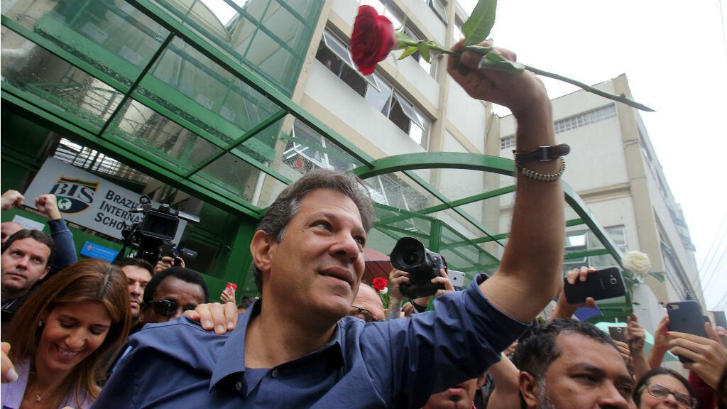 Fernando Haddad après avoir voté lors de la présidentielle le 28 octobre à Sao Paulo.