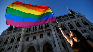 2021-06-14T171734Z_355153999_RC2G0O9R5JII_RTRMADP_3_HUNGARY-LGBT-PROTEST