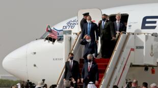 llegada israel vuelo emiratos arabes unidos