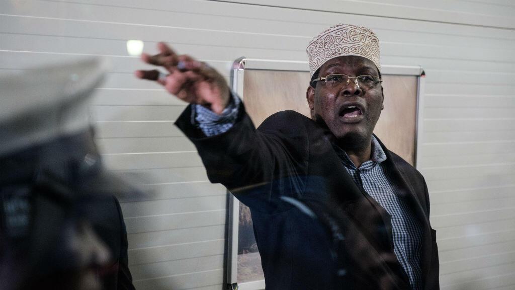 Miguna Miguna, avocat canadien né au Kenya, à l'aéroport de Nairobi, le 26 mars 2018.