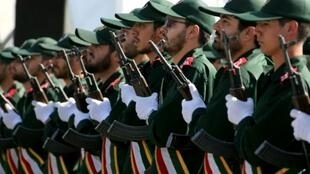 عناصر من الحرس الثوري خلال عرض عسكري في طهران