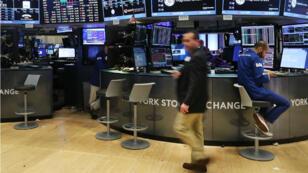 Des traders à Wall Street, en août 2016.