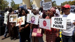 À Banjul, manifestation de familles de victimes du régime de Yayha Jammeh, le 17 mai 2018.