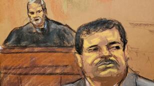 Joaquín 'El Chapo' Guzmán escucha los procedimientos judiciales mientras el juez Brian Cogan observa, en el bosquejo de la corte de la audiencia de sentencia en la ciudad de Nueva York, Estados Unidos, el 17 de julio de 2019.