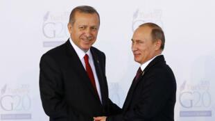 Recep Tayyip Erdogan et Vladimir Poutine lors du G20 à Antalya le 15 novembre 2015.