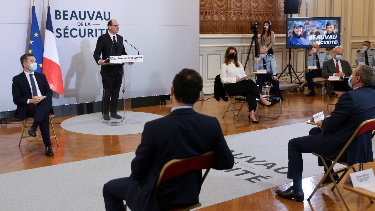 El primer ministro francés, Jean Castex, dirigió el inicio de la consulta nacional que, entre otras cosas, busca retomar la confianza en la policía del país.