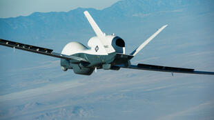 Imagen de archivo de un dron Triton sobrevolando California, Estados Unidos.
