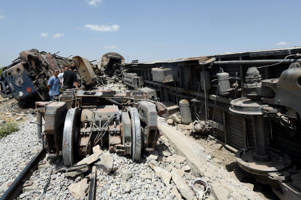 Au moins 18 personnes ont péri dans la collision d'un train et d'un camion à El Fahes, au sud-ouest de Tunis.