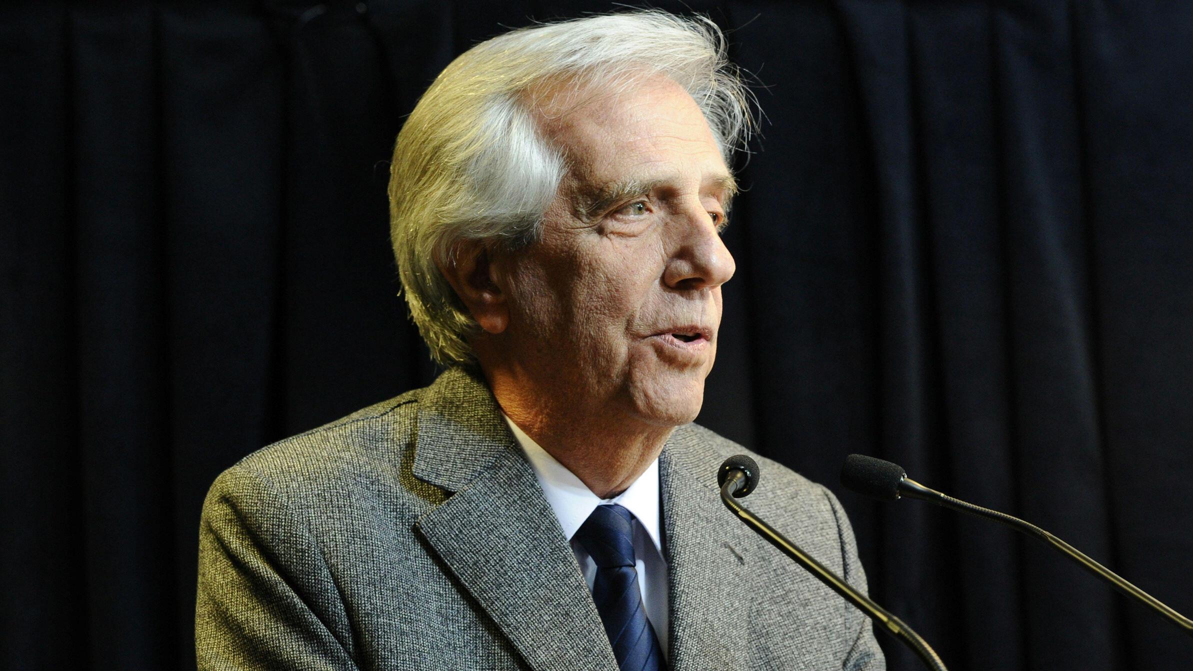 El presidente Tabaré Vázquez habla sobre su estado de salud en Montevideo, Uruguay, el 20 de agosto de 2019.