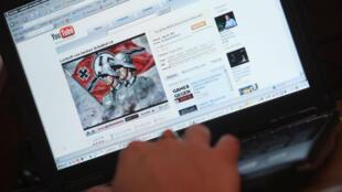 Sur Youtube, certains annonceurs ont vu leurs publicités être diffusées avant la lecture de vidéos faisant l'apologie du nazisme.
