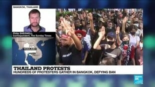 2020-10-15 15:10 Thailand protests: Hundreds of protesters gather in Bangkok, defying ban