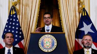 Pedro Pierluisi ofrece una conferencia de prensa luego de juramentar como gobernador en San Juan, Puerto Rico, el viernes 2 de agosto de 2019.