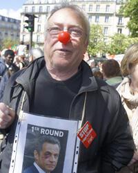 """""""Je me suis déguisé en Nicolas Sarkozy. C'est un clown ! Il fait le cirque pour s'attirer les voix du FN!"""", Michel, 65 ans, retraité."""