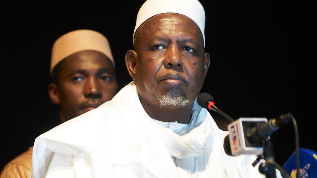 مالي: الإمام محمود ديكو قائد الاحتجاجات المطالبة بتغيير السلطة يدعو إلى التهدئة