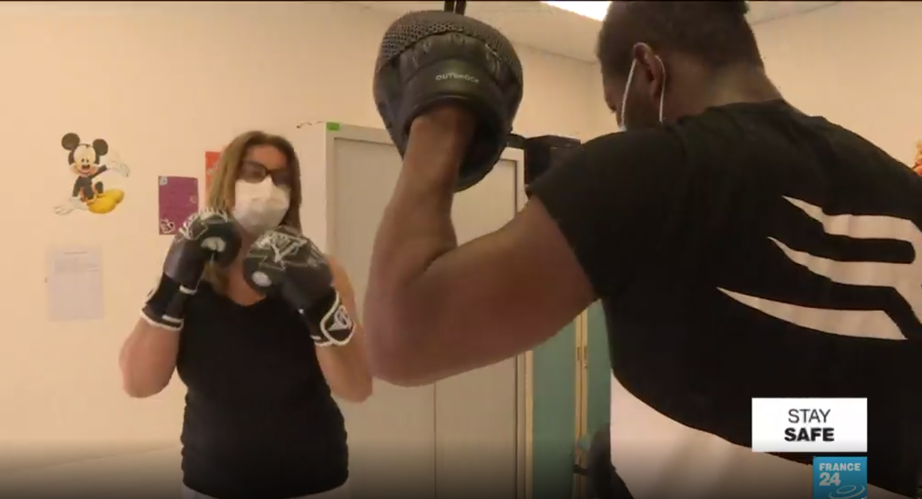 Before he gets back in the ring, Hassam N'Dam, a former middleweight world champion boxer, decided to give something back to the hospital that saved his father-in-law's life.