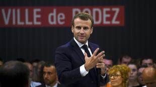 Le président Emmanuel Macron lors du débat à Rodez, le 3 octobre 2019.