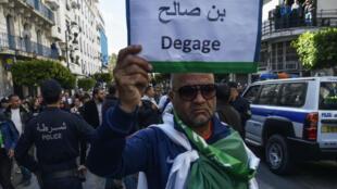 Les manifestations n'ont pas cessé au lendemain de la nomination contestée d'Abdelkader Bensalah comme président par intérim.