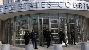 Trois résidents new-yorkais ont été arrêtés, le 15 février 2015, accusés de soutenir l'organisation de l'État islamique.