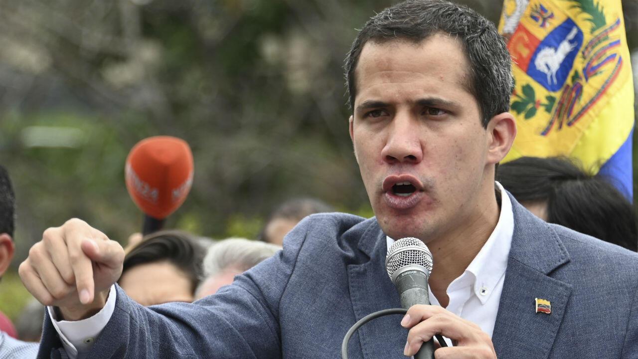 El líder opositor y presidente de la Asamblea Nacional, Juan Guaidó, habla a sus simpatizantes durante un mitin en Caracas el 11 de mayo de 2019.
