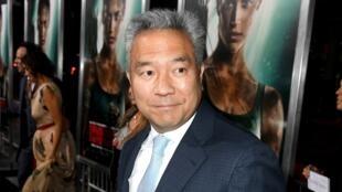 """El ahora expresidente de Warner Bros Entertainment, Kevin Tsujihara, durante el estreno de """"Tomb Raider"""" de Warner Bros. Pictures el 12 de marzo de 2018 en Hollywood, California."""