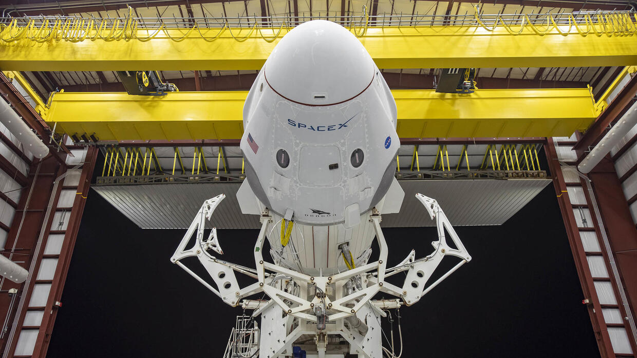 SpaceX ready to launch astronauts into space for the first time - France 24