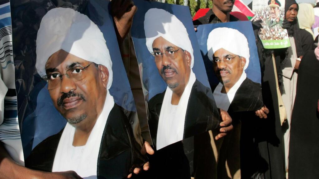 توجيه تهمة حيازة أموال أجنبية بطريقة غير مشروعة للرئيس السوداني السابق عمر البشير