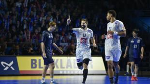 Nikola Karabatic est entré en deuxième période face au Japon, vendredi 13 janvier au Hall XXL de Nantes.