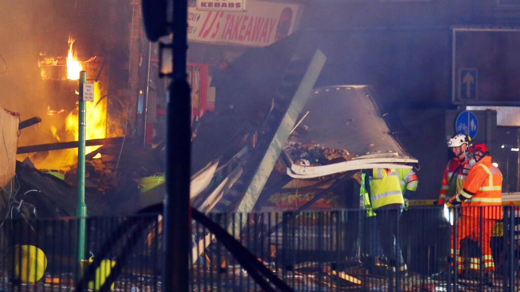 Integrantes de las unidades de emergencia de la localidad de Leicester confirmaron que cuatro personas fallecieron a causa de la explosión registrada el pasado domingo 25 de febrero