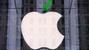 L'Apple Store de New York, à l'occasion de la journée de la Terre, le 22 avril 2014, l'une des 120 boutiques Apple à fonctionner avec de l'énergie renouvelable.