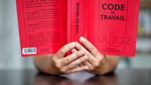 Le gouvernement a présenté cinq ordonnances pour réformer le Code du travail