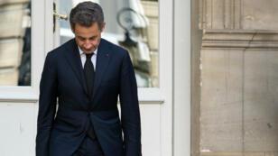 L'ancien chef de l'État français Nicolas Sarkozy ne bénéficie plus de son immunité présidentielle.