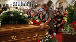 Antonio Basco en la ceremonia religiosa en El Paso, Texas, EE. UU., El 16 de agosto de 2019.