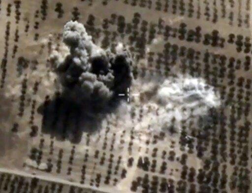 """غارة للطيران الروسي على أحد مواقع تنظيم """"الدولة الإسلامية"""" في سوريا 15 أكتوبر 2015"""
