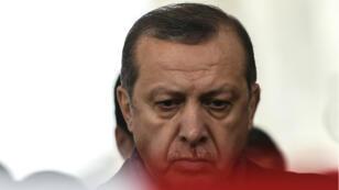 """Le président Erdogan a affirmé que l'attentat du Reina visait à """"détruire le moral du pays et semer le chaos""""."""
