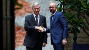 El rey de Bélgica, Felipe, recibe al primer ministro Charles Michel antes de una reunión en el Palacio Real en Bruselas, Bélgica, el 21 de diciembre de 2018.