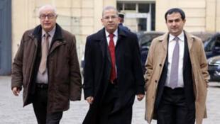 Le président du CFCM, Mohamed Moussaoui au centre