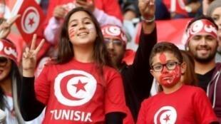 جماهير منتخب تونس خلال مواجهة ليبيا في الجولة السادسة الاخيرة من الدور الحاسم للتصفيات الافريقية المؤهلة الى مونديال روسيا 2018 في تونس في 11 تشرين الثاني/نوفمبر 2017