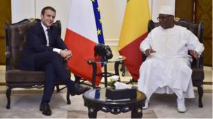 Le président français Emmanuel Macron est arrivé à Bamako et a rencontré son homologue malien, Ibrahim Boubacar Keïta, le 2 juillet 2017.