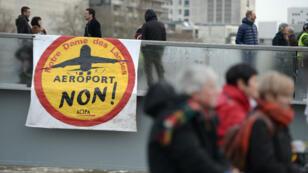 Manifestation contre le transfert de l'aéoroport de Nantes à Notre-Dame-des-Landes, le 13 janvier 2016, à Nantes.