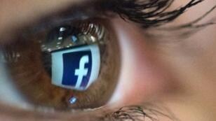 Le réseau social Facebook est au cœur d'un scandale sur le partage des données de ses utilisateurs.