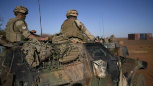 Une patrouille de l'opération française au Mali, dans la région de Gao, le 13 janvier 2017.